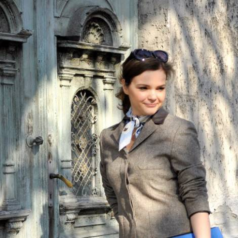A classic tweed blazer update with a fab blue envelope bag
